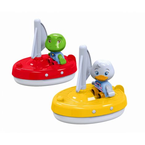AQUAPLAY SET OF 2 SAILBOATS WITH NILS THE FROG & LOTTA THE DUCK