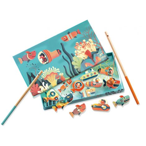 SHARKS & SUBMARINES MAGNETIC FISHING GAME