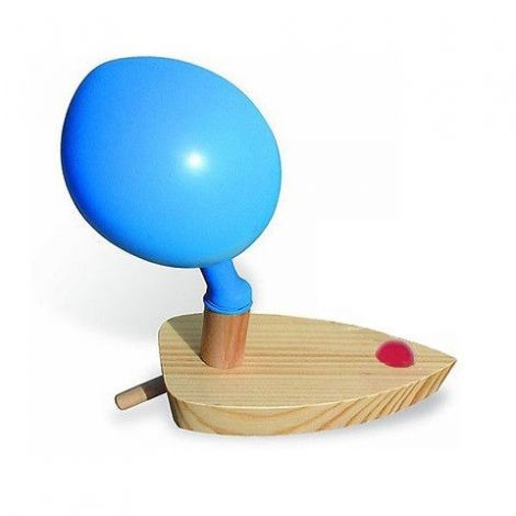 BALLOON-POWERED BOAT FOR STEM PLAY