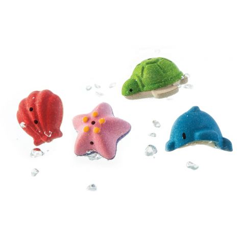 WOODEN SEA LIFE BATH FIGURINES SET